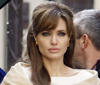 Angelina Jolie to star as Cleopatra in new film