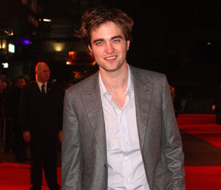 Rob Pattinson: 'Twilight' benefits by not showing explicit sex scenes
