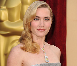 Kate Winslet spared blushes by kindly stranger