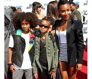And the award for crazy hair goes to... Will Smith's kids