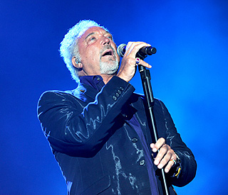 Record boss' outburst over Tom Jones' album of hymns