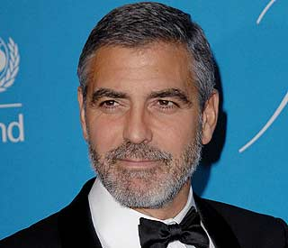 Fans can 'get close' to George Clooney in court