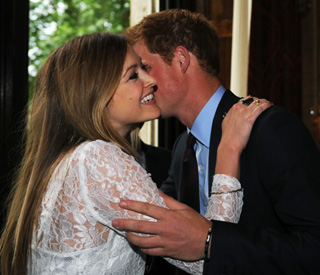 Prince Harry thrills Fearne Cotton with his kiss