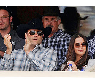 Yee-Haw! Dad-to-be Vince Vaughn and wife go to rodeo