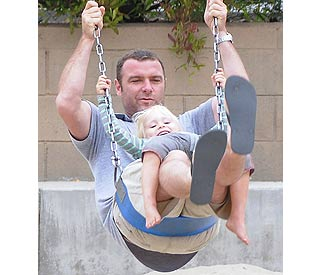 Liev Schreiber gets in some dad time with 'cute family'