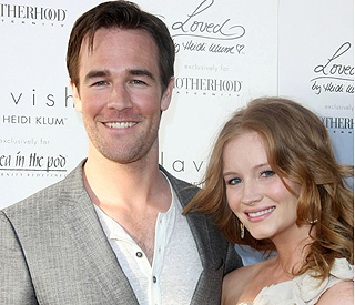 James Van Der Beek tweets marriage announcement