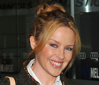 Kylie Minogue keen for sister Dannii to marry