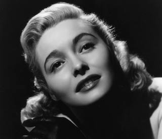 Legendary actress Patricia Neal dies