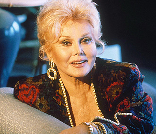 Ailing Zsa Zsa Gabor refuses surgery and returns home