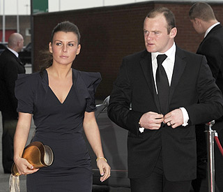 Coleen Rooney agrees to meet Wayne to hear his story