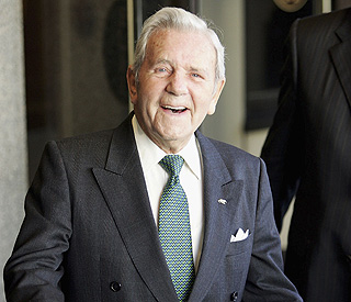 Comic legend Sir Norman Wisdom dies aged 95