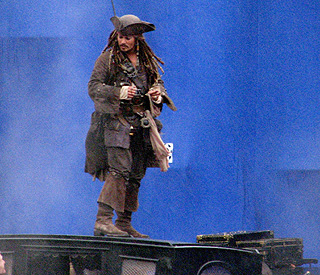 Johnny Depp's surprise visit to school as Jack Sparrow