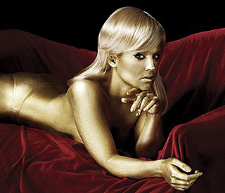 Kelly Obsourne strips off to show midas touch