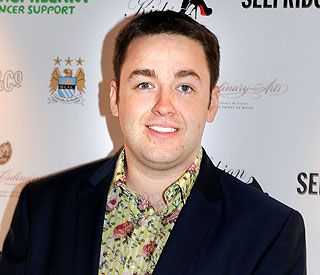 Jason Manford apologises for sexy Twitter messages