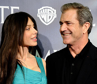 Mel Gibson to face Oksana in court battle