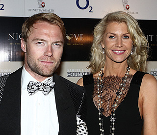 'I love you': Ronan apologises to wife on album