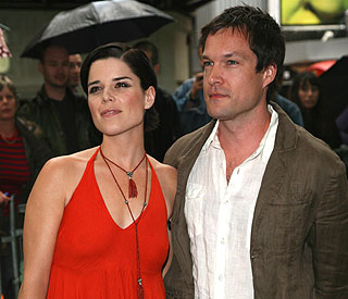 Neve Campbell secretly divorces her British husband