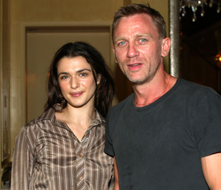 Cozy Christmas for Rachel Weisz and Daniel Craig