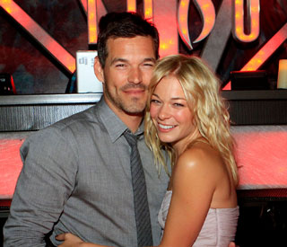 LeAnn Rimes puts paid to pregnancy rumours