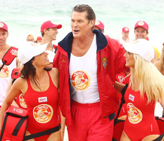 David Hasselhoff dons red 'Baywatch' trunks again