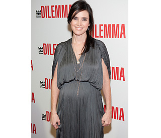 Pregnant Jennifer Connelly back on blooming form