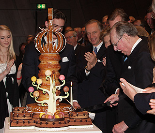 The Grand Duke of Luxembourg cuts his birthday cake