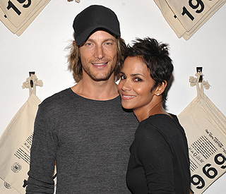 Halle Berry's ex files for joint custody of their daughter