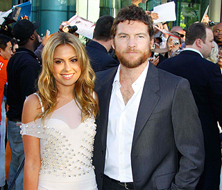 Avatar star Sam Worthington is single again