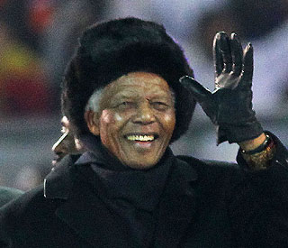 Nelson Mandela in hospital but 'no need to panic'