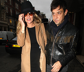 Kate Moss engaged to Jamie Hince?