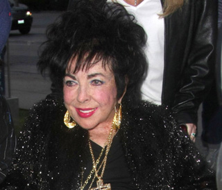 Elizabeth Taylor hospitalised with heart condition