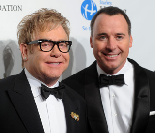 Elton wants 'old-fashioned childhood' for son