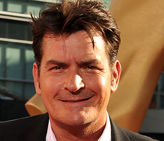 Charlie Sheen tops more than one million Twitter fans