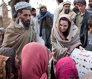 Angelina Jolie makes surprise visit to Afghan refugees
