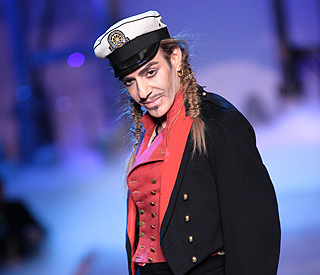 John Galliano issues apology and will stand trial
