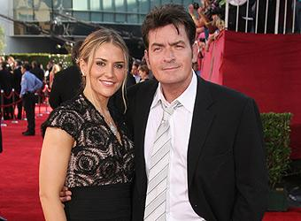 Record breaker Charlie Sheen tweets custody deal