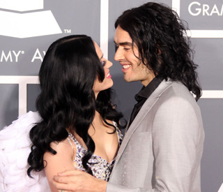 Russell Brand puts marriage rumours to rest