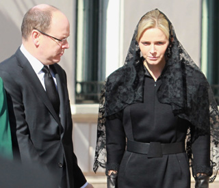 Charlene supports Prince Albert at aunt's funeral