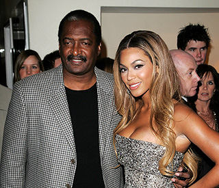 Beyonce's father ends career as her manager