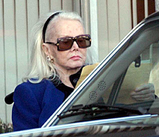 Zsa Zsa Gabor back in hospital again
