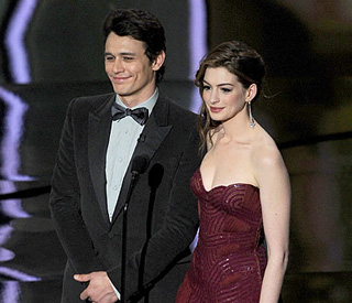 Anne Hathway on hosting Oscars: 'Critics were tough'
