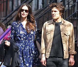 Liv Tyler finds love again with photographer