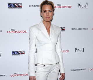 Robin Wright looks fabulous amid Sean rumours