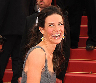 'Lost' star Evangeline Lilly pregnant with first baby