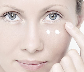 Allies and enemies in the fight for youthful eyes