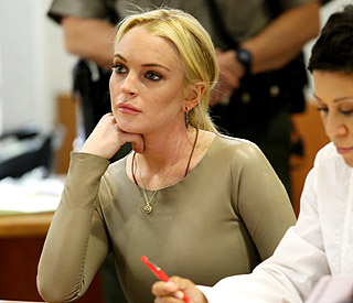 Lindsay Lohan likely to get house arrest for theft