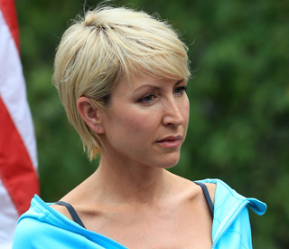 Heather Mills injures shoulder in ski accident
