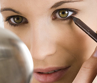 Beauty tips: making the most of small eyes