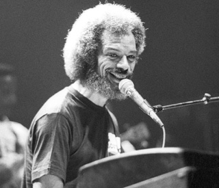 Tributes pour in for 'Godfather of rap' Gil Scott-Heron