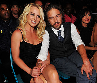 Britney Spears 'secretly engaged' to boyfriend Jason